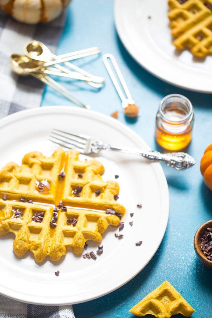 Easy Vegan Pumpkin Waffles